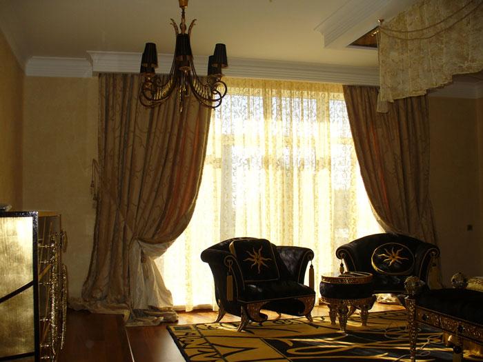 Дизайн покрывала и штор в спальню